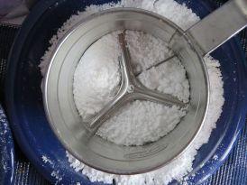 single-hand-flour-sifter-80922__480