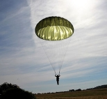 parachutist-2183279__480